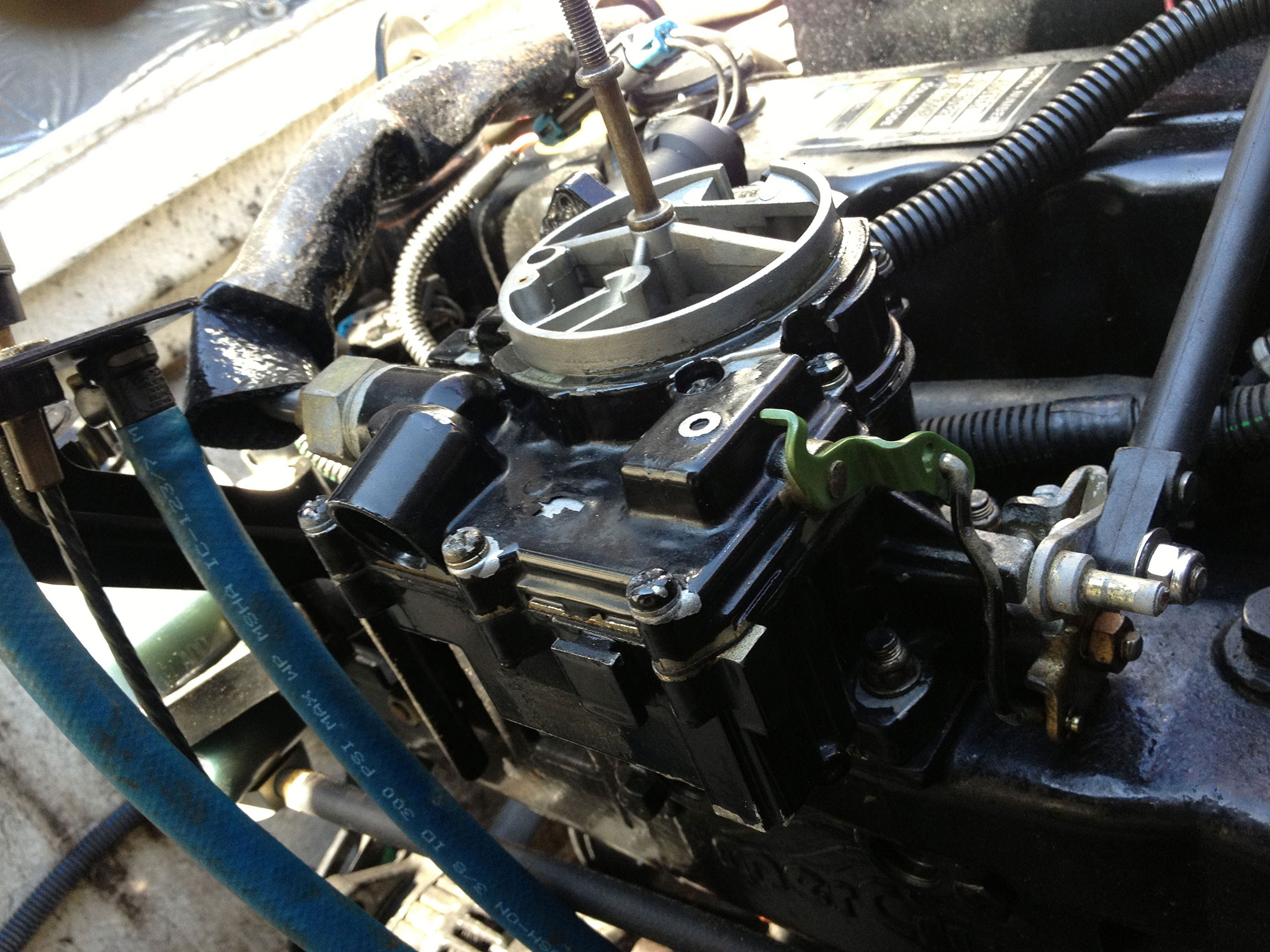 how to clean a small carburetor